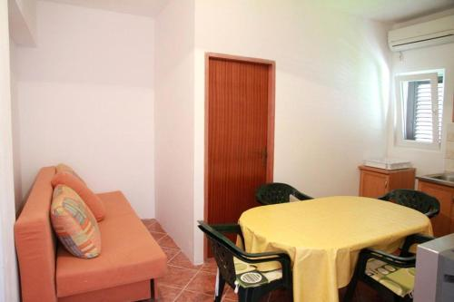 Apartment Pag 6494b