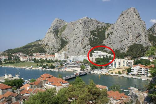 Apartment Omis 14290a