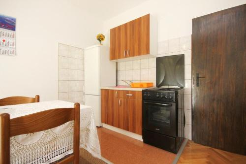 Apartment Orebic 10077a