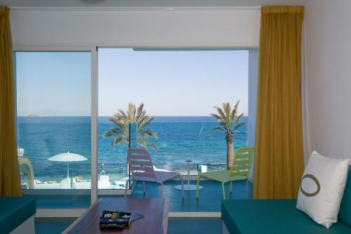 Suite with Sea View - Rock and Roll Star