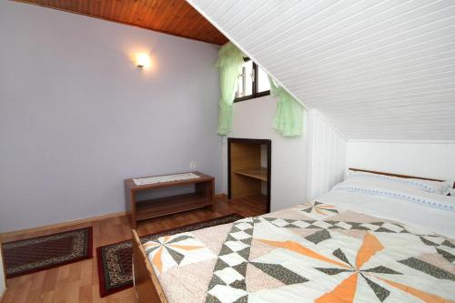 Apartment Zavalatica 183b