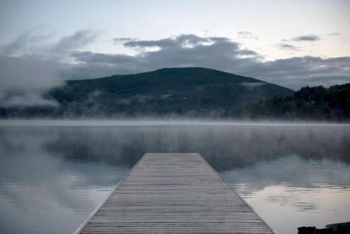 Entourage sur-le-Lac