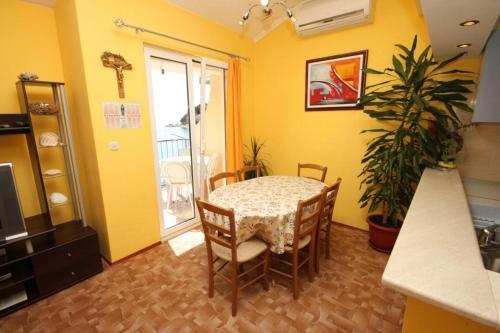 Apartment Podgora 6726b