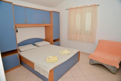 Apartment Kukljica 8399a