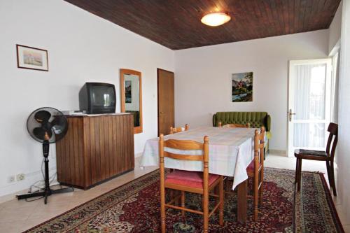 Apartment Krk 5318a