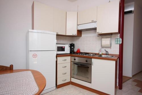 Apartment Supetarska Draga - Gonar 2002b