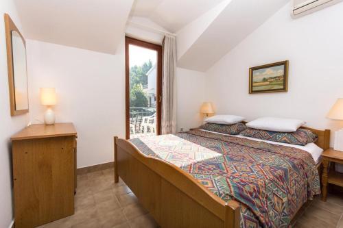 Apartment Okrug Gornji 2792a