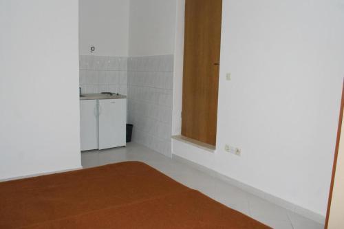 Studio Duce 2746b