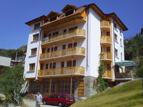 Family Hotel Byalata Kashta
