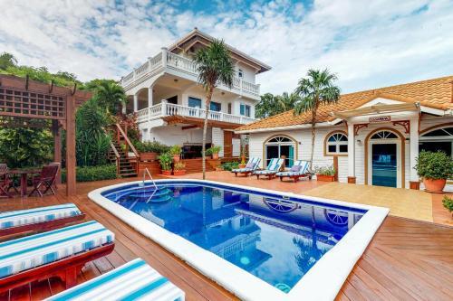 Villa Casanueva, West Bay