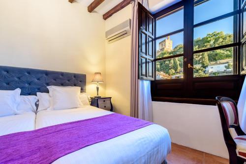 Double or Twin Room with Alhambra Views Palacio de Santa Inés 3