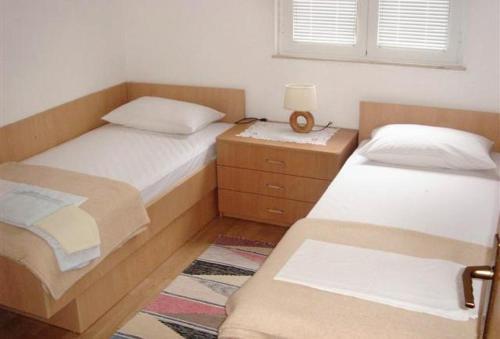Apartment Kuciste - Perna 4542a