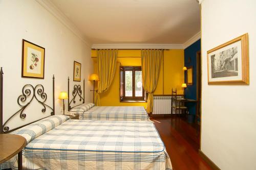 Habitación Doble - 1 o 2 camas - Uso individual Hotel Real Monasterio de San Zoilo 1