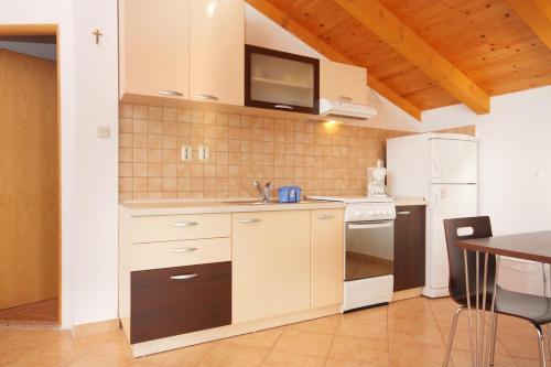 Apartment Razanac 5885a