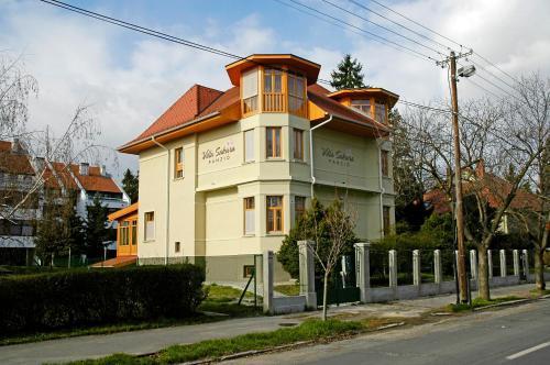 Отель Villa Sakura Panzió 0 звёзд Венгрия