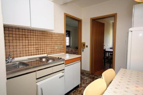 Apartment Palit 5011b