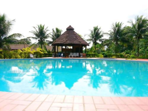 Cesar's Tropical Hotel