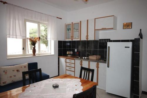 Apartment Tribunj 7117b