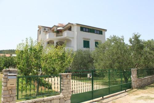 Apartment Nevidjane 8273b