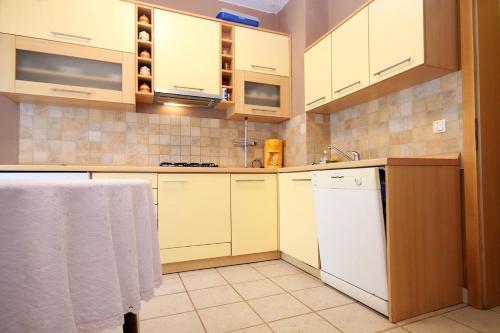 Apartment Stara Novalja 9416b