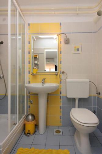 Apartment Njivice 2391b
