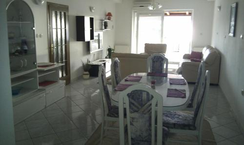 Apartment Brodarica 4217a