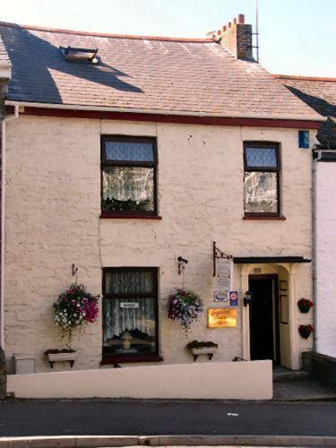 Castleton Guest House,Falmouth