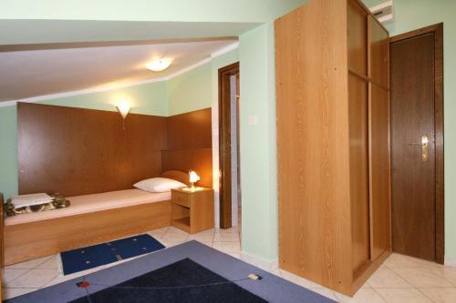 Apartment Novi Vinodolski 5593a
