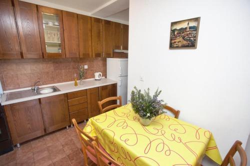 Apartment Brela 4872a