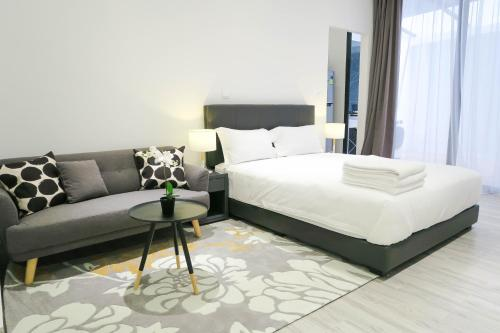 Comfy Studio 1 by ReCharge, Singapura