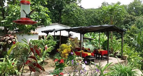 Hotel restaurante casa d 39 antonio minca desde 25 rumbo for El jardin prohibido restaurante