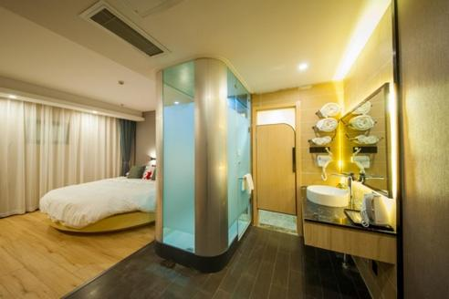 Mainland Chinese Citizens - Ocean Room with Round Bed