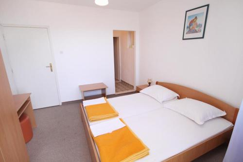 Double Room Tucepi 5263b