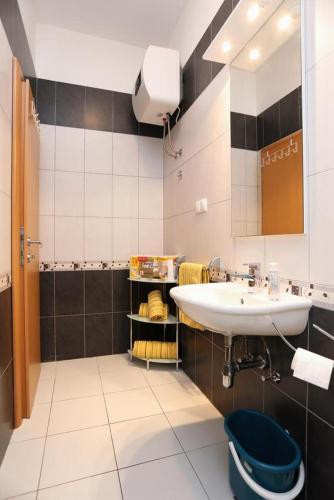 Apartment Seget Vranjica 10328b