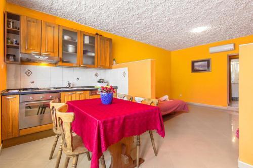 Apartment Sparadici 10015b