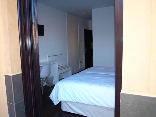 Standard Twin Room - single occupancy Hotel Las Casas de Pandreula 3