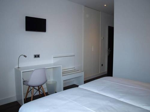 Standard Twin Room - single occupancy Hotel Las Casas de Pandreula 6