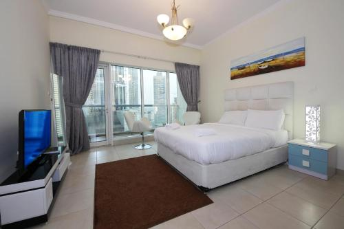 Express Holiday Homes - Burj Al Nujoom, Dubaj