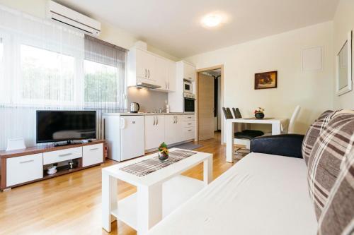 Apartment tri sunca