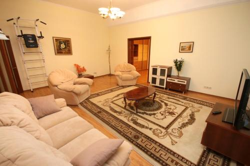 One-Bedroom Apartment - Khreshchatyk 15