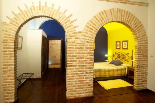 Habitación Doble con cama supletoria - 1 o 2 camas  Hotel Real Monasterio de San Zoilo 3