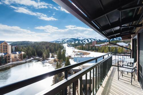 Three Bedroom Ski-In/Ski-Out Penthouse