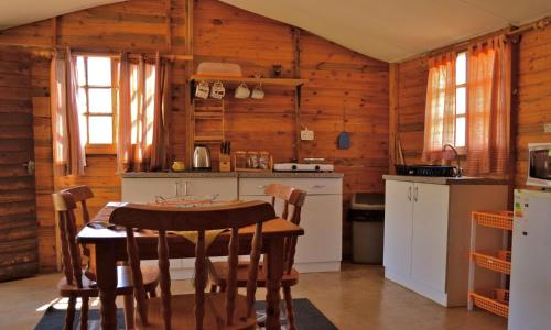 Chata s 1 ložnicí (One-Bedroom Chalet)
