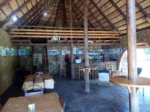 Village Rest Lodge, Buckleys