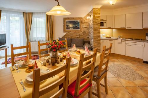 Apartmá se třemi ložnicemi (Three-Bedroom Apartment)