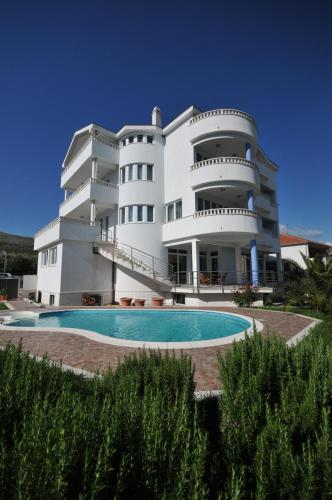 Apartments Villa Lida