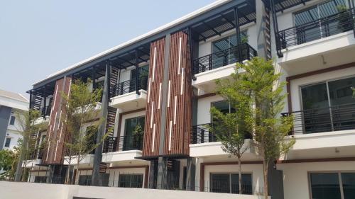 MV3 Townhouse, Vientiane