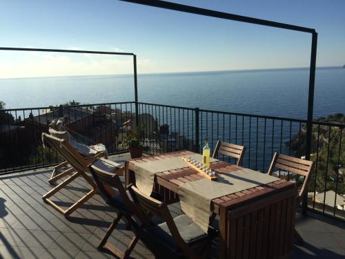 La Terrazza di Peun, Manarola,Cinque Terre, Liguria | RentByOwner ...