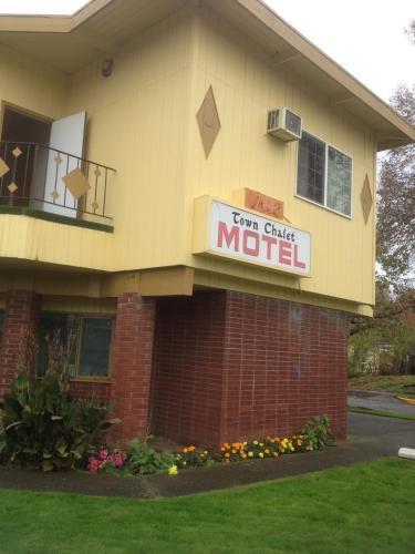 Town Chalet Motel