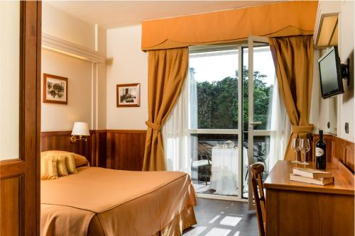 Classic Double or Twin Room with Balcony and Partial Sea View